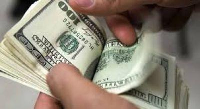 Dólar: con un salto de 26 centavos, el billete alcanzó un máximo de $ 82,30