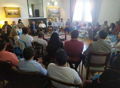 """Rossi con familiares de los tripulantes del ARA """"San Juan"""": """"La voluntad política está puesta en la búsqueda de la verdad"""""""