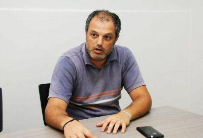 El director de Medioambiente cuestionó la separación de residuos en origen y apuntó a un sistema mixto