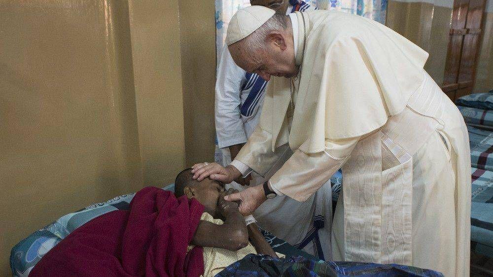 En el Día del Enfermo el Papa confía a María a todos los que sufren