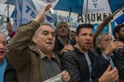 Los gremios del transporte marchan para repudiar la visita del FMI al país