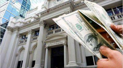 Dólar: el billete llegó a $ 82,70 por el nerviosismo que genera el tema deuda