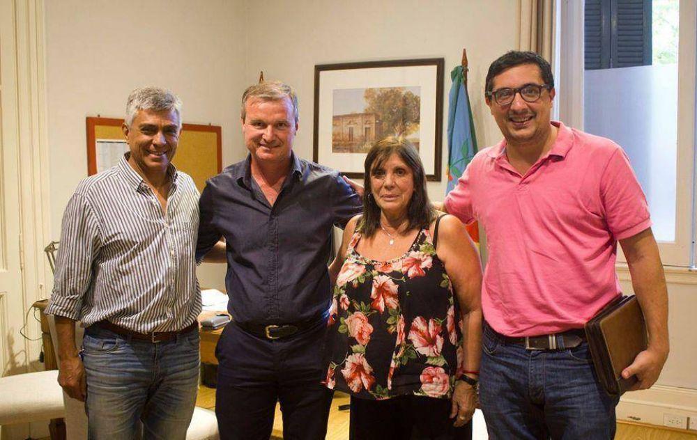 José Castro habló de obras con la ministra Teresa García