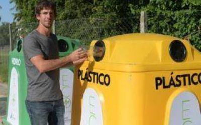 San Fernando: Andreotti presentó nuevas campanas de reciclaje