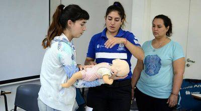 El Centro Universitario de Vicente López suma talleres de RCP en febrero