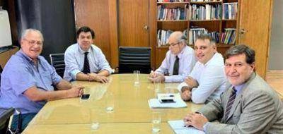 La Federación de la Carne analizó con el ministro Moroni la aplicación del decreto que prohíbe el traslado de media res al hombro