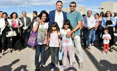 El IPV entregó 60 viviendas a afiliados del Sutiaga