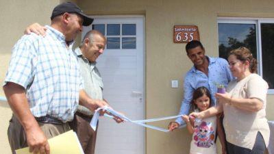 Veinte familias de Pirán tienen su nuevo hogar