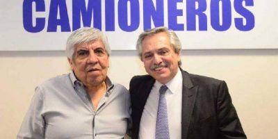 Moyano y un guiño a Alberto: apoya las sumas fijas