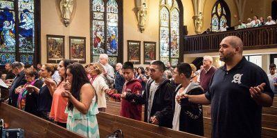 El futuro del catolicismo estadounidense es hispano, dicen las encuestas