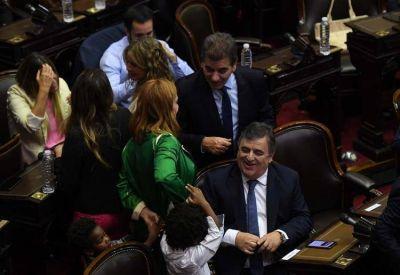 Jubilaciones de privilegio: la oposición recibió a un grupo de fiscales y empieza a definir su posición