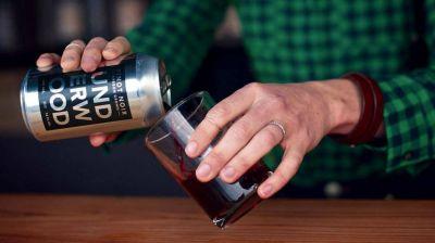 El vino en lata busca su lugar entre los consumidores