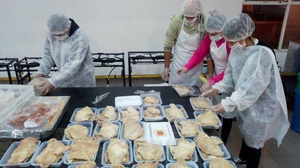 La comida no se tira: quiénes son los rescatistas de 649 toneladas de alimentos de casamientos, fiestas y eventos