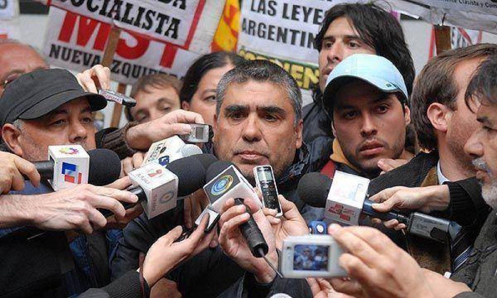 El delagado Ramón Bogado ingresó a la planta de Kraft