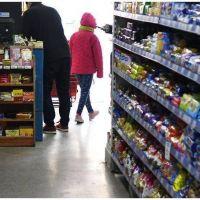 Por la tarjeta alimentaria, el consumo subirá este mes