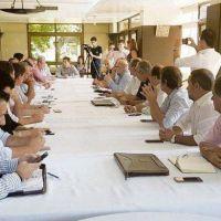 Las dos caras de la oposición: UCR y PRO pujan por liderazgo