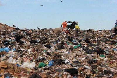Avanza a juicio oral la causa de Bonadio contra más de 40 intendentes por la gestión de residuos