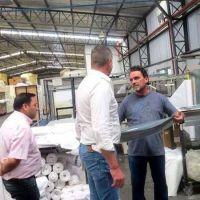 Dirigentes de SETIA se reunieron con trabajadores de la empresa Fiberball en el Parque industria de Tigre
