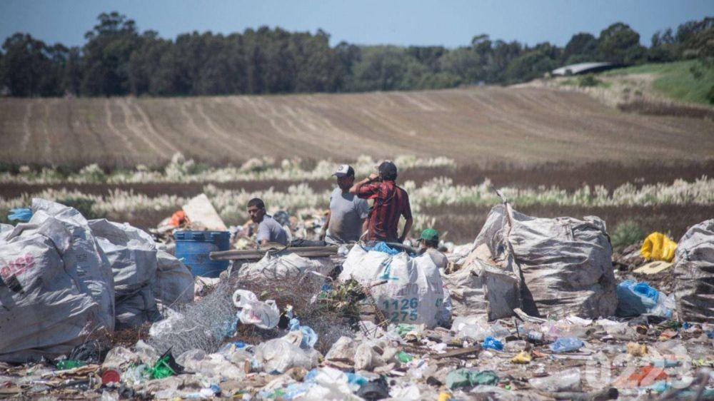 Recicladores del basural amenazan con un paro y movilización al Municipio