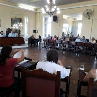 Proponen reducir la cantidad de empleados en el Concejo