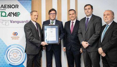 Aenor entrega el primer certificado de porcentaje de uso de plástico reciclado posconsumo a Plásticos Vanguardia