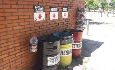 Estudiantes y una iniciativa de reciclaje y cuidado del ambiente