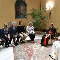 Leve indisposición, el Papa continúa su actividad en el Vaticano