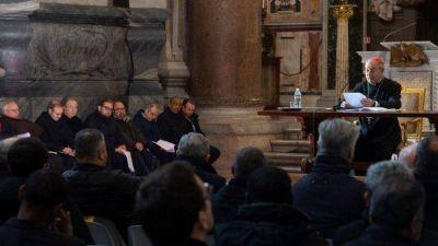 El Papa: no sean sacerdotes aislados, vivan en comunión con la gente