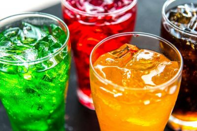 Bebidas azucaradas pueden disminuir el colesterol bueno y aumentar los triglicéridos