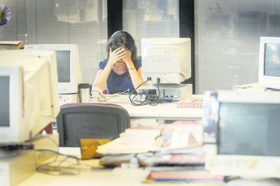 Qué es el Convenio de la OIT contra el acoso laboral que quiere ratificar el presidente
