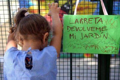 Más de 20 mil chicos no comienzan las clases porque se quedaron sin vacantes en la Ciudad