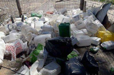 Arrojaron envases de fitosanitarios a un basural y la Sociedad Rural Gualeguaychú le reclamó al Estado
