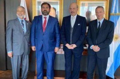 Autoridades del CIRA en la Embajada de Qatar en Argentina