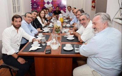 Con Vidal en la cabecera, JxC empieza a lanzar sus primeras críticas a la gestión