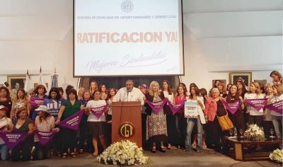 Histórico: las mujeres sindicalistas colmaron la CGT
