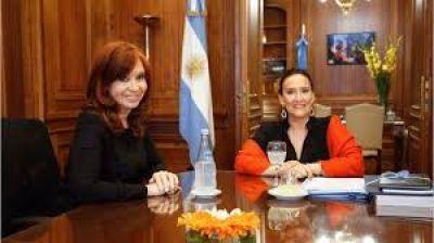 """Denuncia de Cristina contra Michetti por """"negociaciones incompatibles"""" en el Senado"""