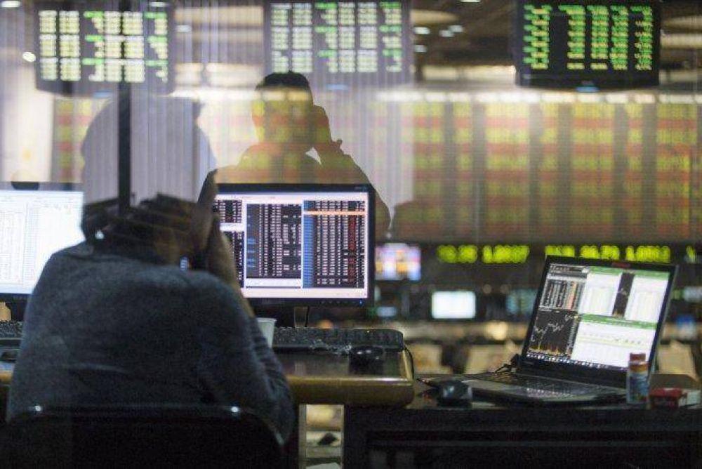 Fuerte castigo a los activos argentinos: ADRs cayeron 8%; S&P Merval bajó 4,2% y riesgo país superó 2.400 puntos