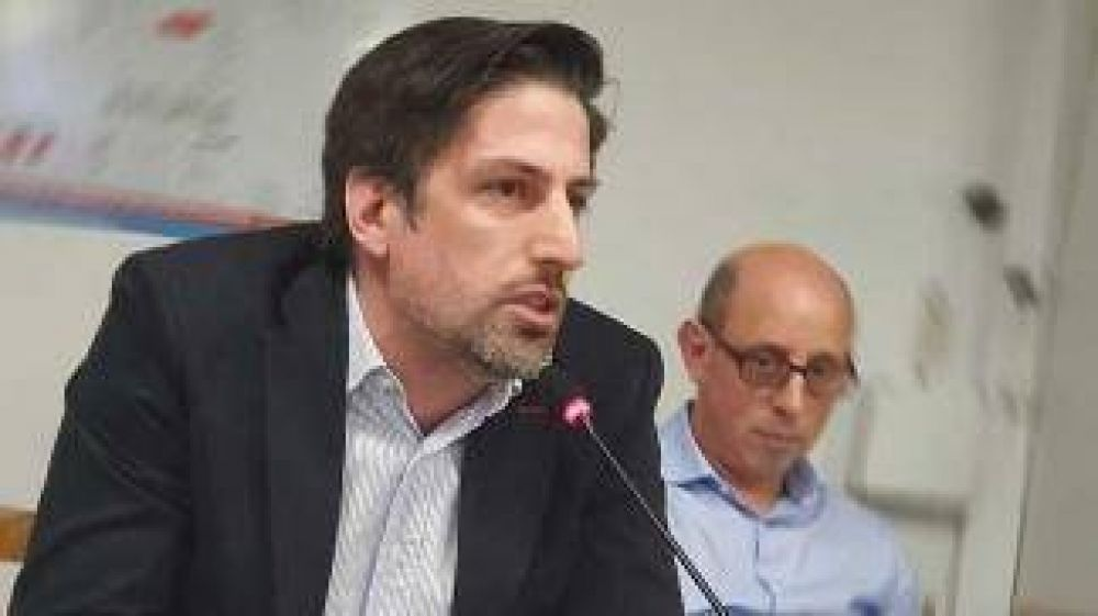Trotta ratificó que el compromiso del Gobierno es que el salario docente le gane a la inflación