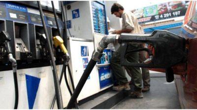 Cae el petróleo y alivia la presión sobre la nafta argentina