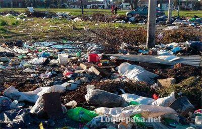 """Microbasurales: """"La identificación de quienes tiran esos residuos es clave"""""""