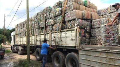 La comunidad ava guaraní trabaja en el reciclado de basura