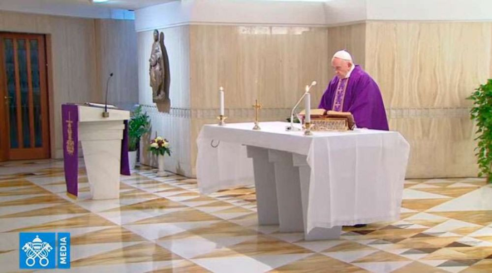 El Papa invita a confesarse con sentimiento de vergüenza por los pecados