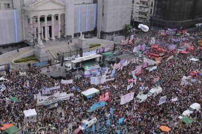 Larreta vuelve a descontar el día a las mujeres que pararon en la Ciudad