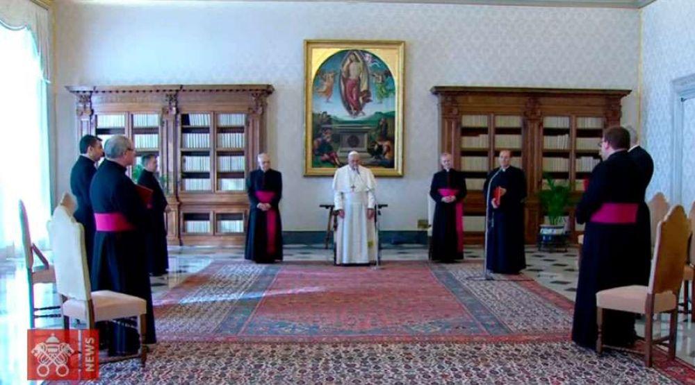 """Papa Francisco: """"Incluso en los corruptos hay un rayo de luz"""""""