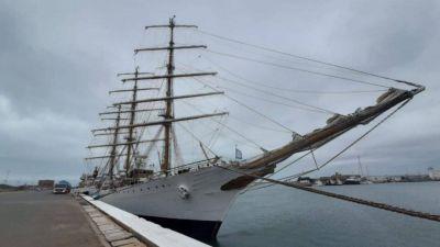 Por primera vez, reparan la Fragata Libertad en Mar del Plata