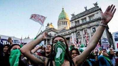 Una diputada denunció que el Gobierno les prohibió a los legisladores del FdT votar contra el aborto
