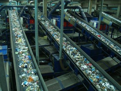 Las plantas de tratamiento de residuos urbanos aumentan su volumen de negocio hasta los 1700 millones de euros