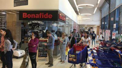 Coronavirus: la Juventud Sindical apura a Cavalieri y restringe el ingreso de gente a los supermercados