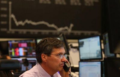 Tras la debacle del lunes, los mercados viven una jornada de fuerte volatilidad