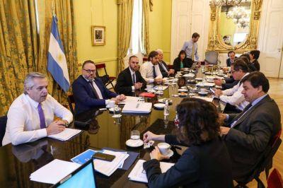 Más licencias laborales, entre las medidas tras la cumbre del gabinete económico social